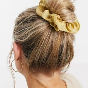 Pieces oversized silky smooth scrunchie